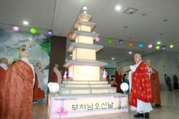 (사진보도)대전시, 부처님 오신 날 등탑 점등 (3).jpg