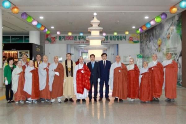 (사진보도)대전시, 부처님 오신 날 등탑 점등 (2).jpg