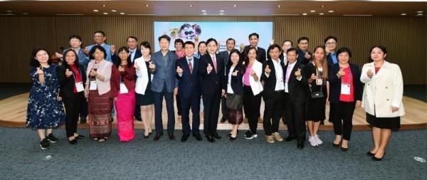 아시아 4국 농촌개발공무원 연수단 도청 방문.JPG