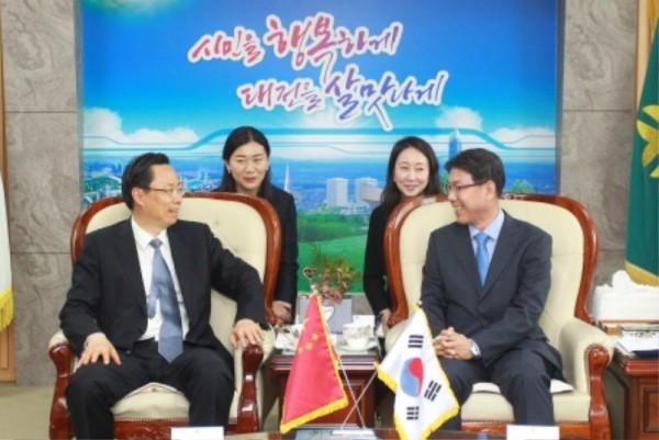 24년 우정 보다 깊어지도록..._대전시-난징시 교류협력 업무협약 (3).jpg