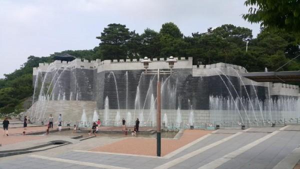 [크기변환]물놀이시설(구미 양지공원).jpg