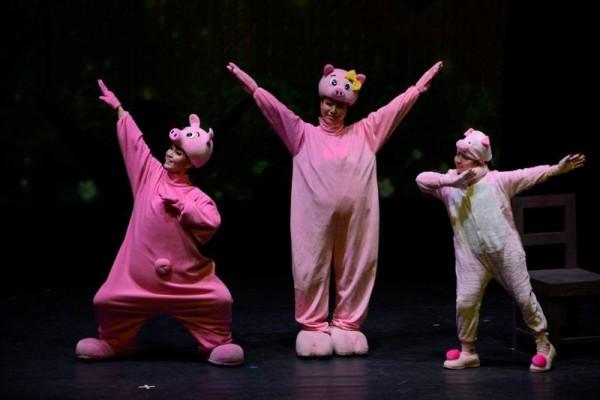 [크기변환]창극과 뮤지컬의 만남 친절한 돼지씨2.jpg