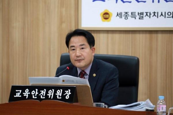 [크기변환](자료사진) 상병헌 교육안전위원장.JPG