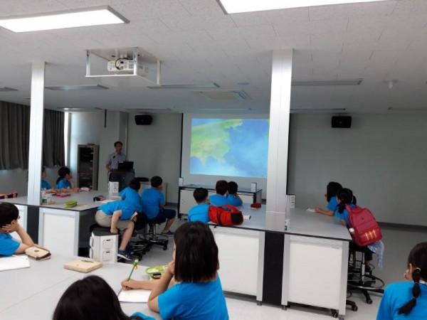 [크기변환]보건환경체험교실_환경보전을_위한_생활실천방법_교육.jpg