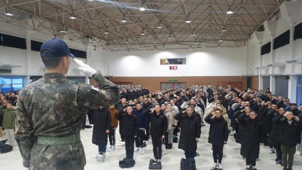 [크기변환]육군37사단, 올해 충북 첫 입영식 (1).jpg