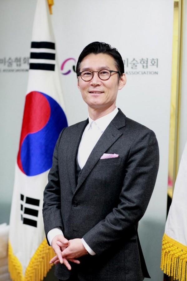 [크기변환]제28대 한국예술문화단체총연합회 이범헌 회장후보3.jpg