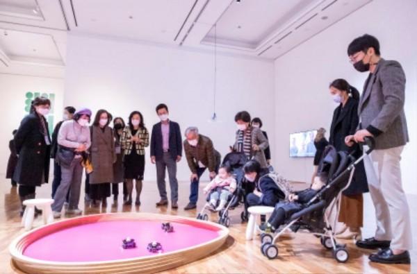 [크기변환]허태정 시장, 대전시립미술관에서 토요산책 (1).jpg
