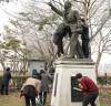 구례군, 100주년 3.1절 맞이 독립유공자 동상 환경정비 실시