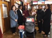함평군보건소, 다둥이 출산 가정에 축하선물 전해